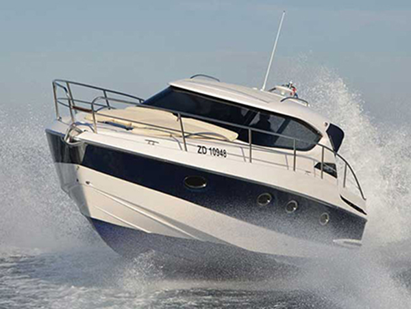 cabin cruiser Elan 42 HT